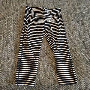 Athleta black and white striped crops M